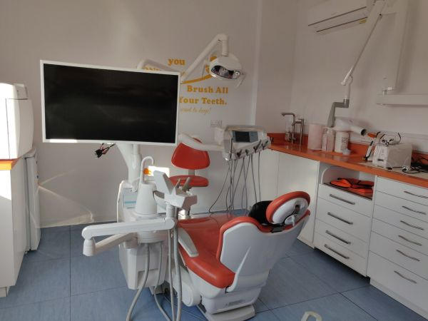 Стоматолог Кипр Лимассол зубной кабинет