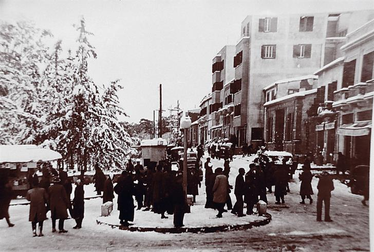 Площадь Свободы (Элефтериас) Никосия 1950 год снег