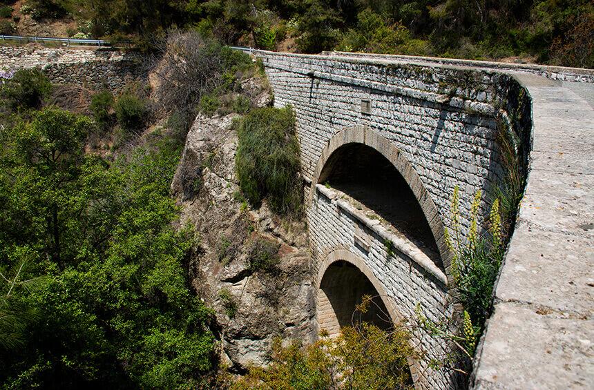 двойной мост Деревня Тримиклини