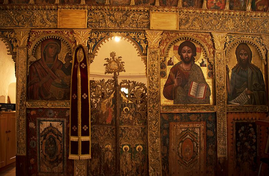 Иконостос старинной церкви Святой Элеусы в Тримиклини