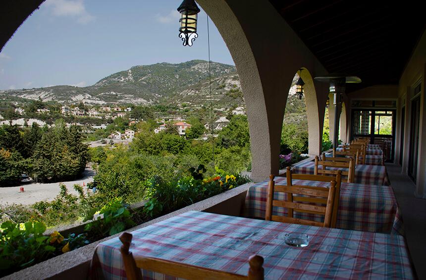 Тримиклини ресторан с видом
